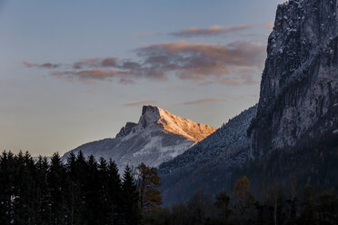 Austria, Mondsee, Schafberg at sunset - WVF00797