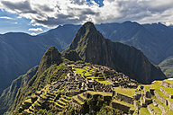 Peru, Andes, Urubamba Valley, Machu Picchu with mountain Huayna Picchu - FOF08770
