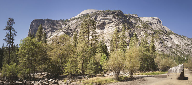 USA, California, Yosemite National Park, landscape with rock formation - EPF00305