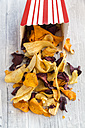 Vegetable chips with pyramide salt - SARF03153