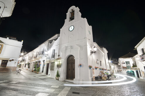 Spain, Mijas, night shot of white village - DHCF00061