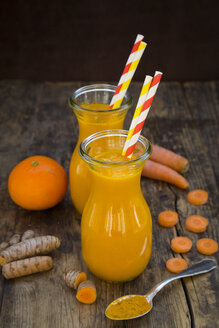 Carrot tangerine Smoothie with curcuma - LVF05868