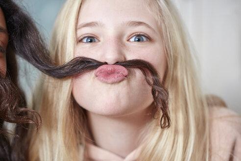Portrait of playful girl - RHF01839