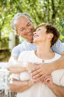 Portrait of happy senior couple outdoors - WESTF22688