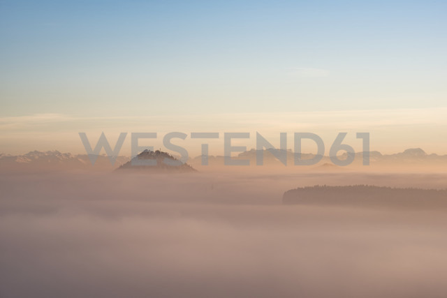 Germany, Baden-Wuerttemberg, Constance district, Hegau, volcanic landscape and fog - ELF01830