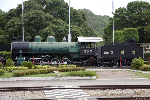 Thailand, Prachuap Kiri Khan, Hua Hin, SLM Winterthur 305 steam locomotive at rail station - ZC00507