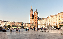 Poland, Krakow, Old Town, Main Square, St Mary Basilica and town houses - CSTF01242
