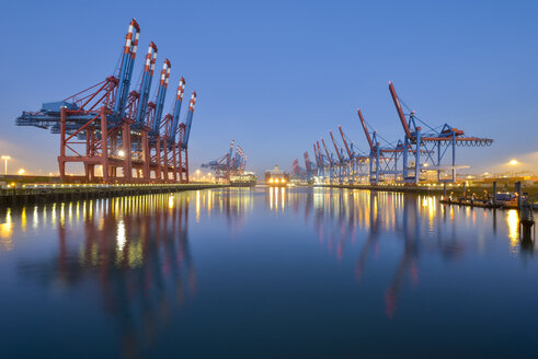 Germany, Hamburg, Port of Hamburg, Container Terminal in the morning - RJF00655