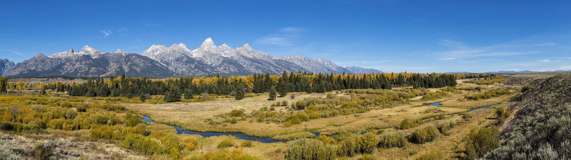 USA, Wyoming, Rocky Mountains, Teton Range, Grand Teton National Park, scenic - FOF08892