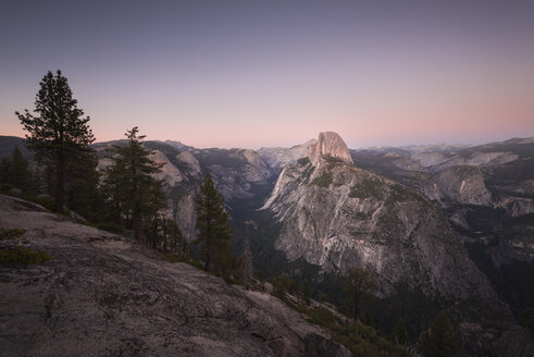 USA, California, Yosemite National Park, Glacier Point at sunset - EPF00347