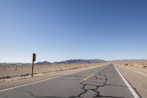 USA, California, road - LMF00717
