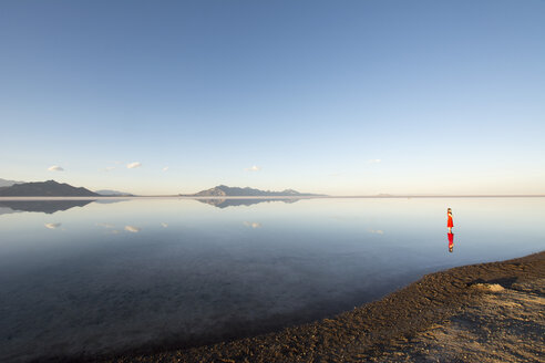 USA, Utah, woman in Salt Flats - LM00723