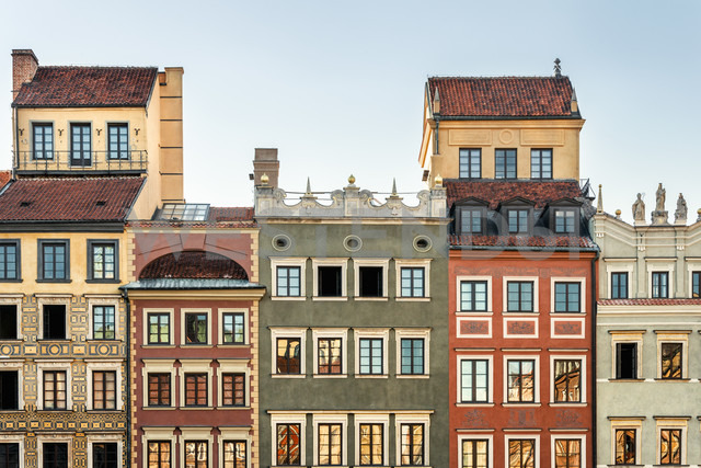 Poland, Warsaw, town houses in the old town - CSTF01270