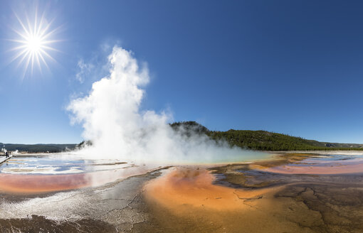 USA, Wyoming, Yellowstone National Park, Midway Geyser Basin, Grand Prismatic Spring - FOF08944
