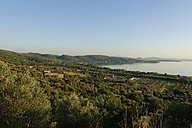 Italy, Umbria, east bank of Lake Trasimeno at evening twilight - LBF01577