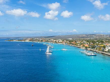 Caribbean, Bonaire, Kralendijk, coast and townscape - AMF05298