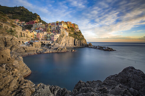 Italy, Liguria, Cinque Terre, Manarola at sunset - YRF00155