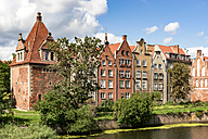 Poland, Gdansk, town houses at Motlawa river - CSTF01275