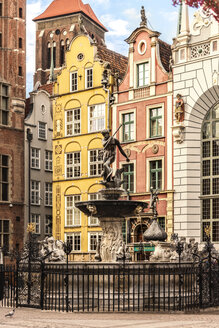 Poland, Gdansk, Main City, neptune fountain at Artus Court - CSTF01281