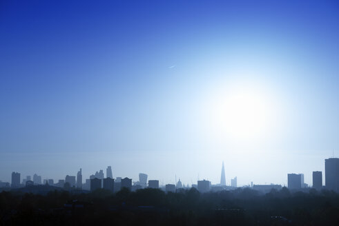 UK, London, skyline in backlight - BRF01429