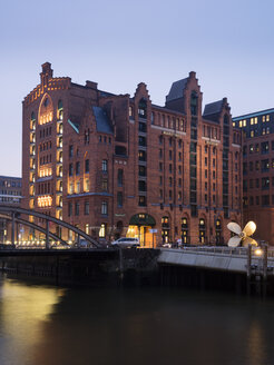 Germany, Hamburg, The Maritime Museum in the Hafencity at twilight - WI03405