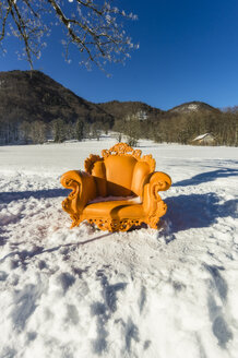 Germany, Bavaria, Aschau, throne for one day in winter landscape - THA01920