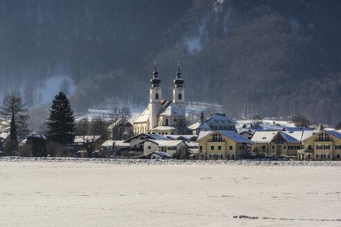 Germany, Bavaria, Aschau in winter - THAF01923