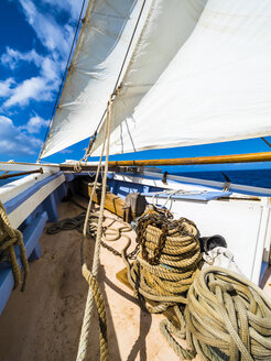 Bow of a sailing ship - AMF05338