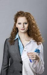 Portrait of half chemist and half businwsswoman - MFF03470