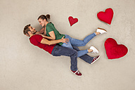 Cuple in love embracing each other - BAEF01317