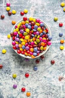 Bowl of chocolate buttons - SARF03265