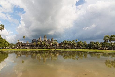 Cambodia, Siem Reap, Angkor Wat before the rain - SJF00197