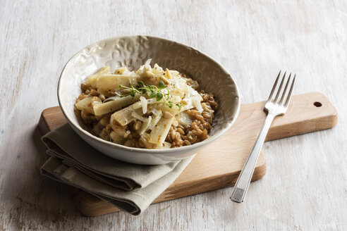 Spelt risotto with salsifies, pine nuts and parmesan - EVGF03169
