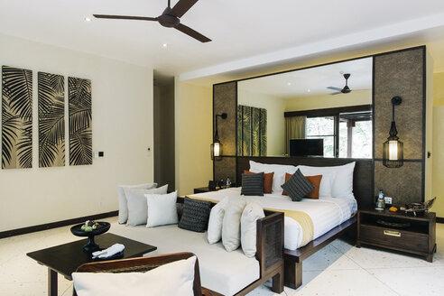 Indonesia, Bali, hotel room - JUBF00212
