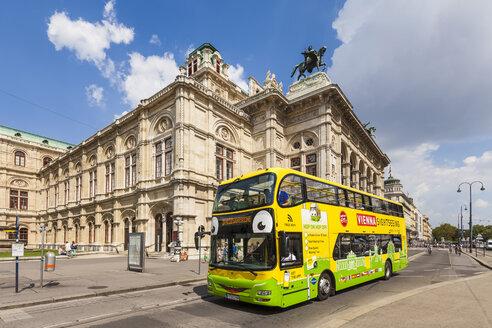 Austria, Vienna, sightseeing bus at state opera - WD03965