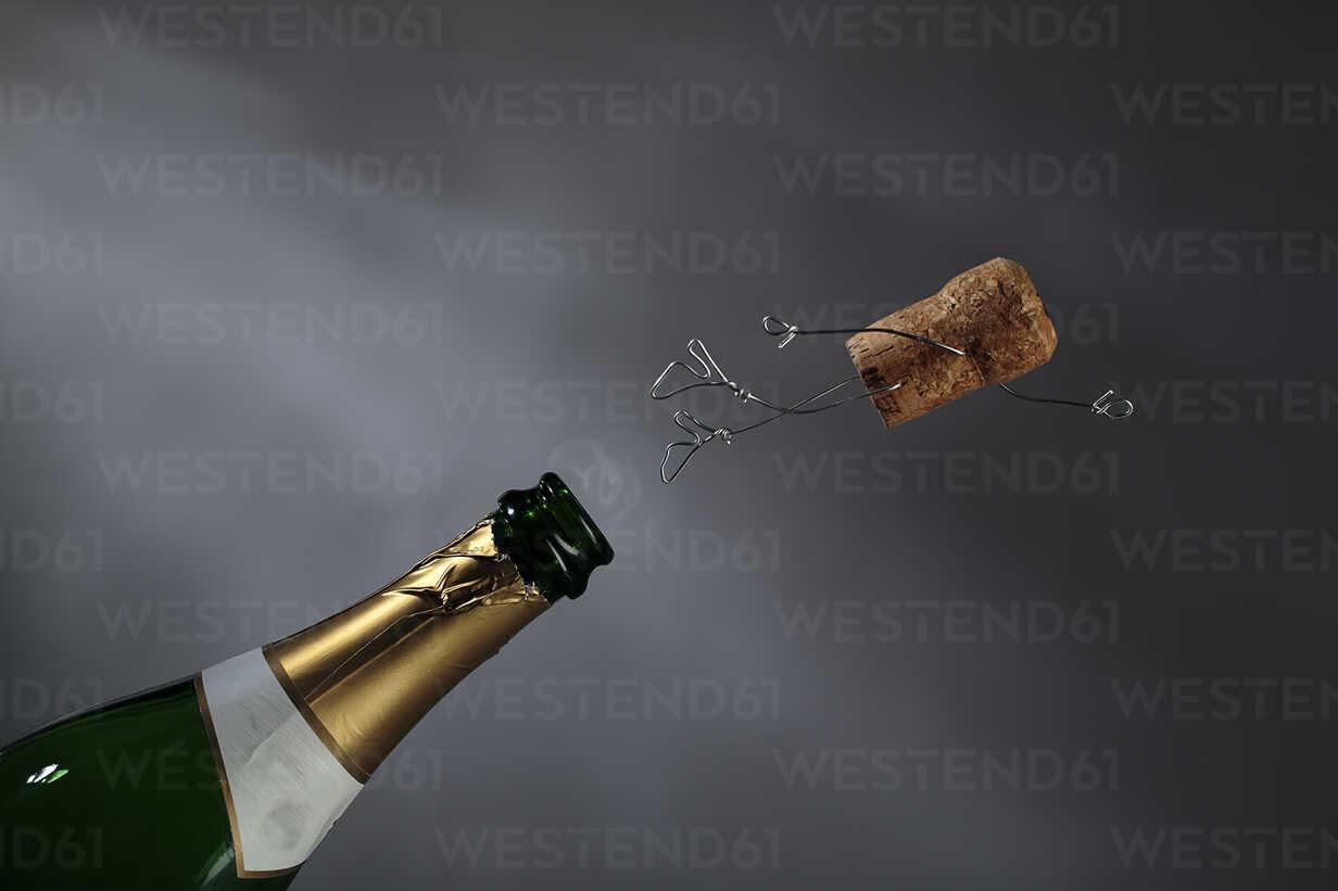 Champagne cork manikin in the air - NIF00080 - Nailia Schwarz/Westend61