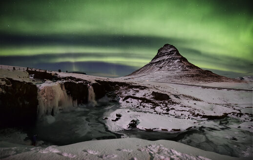 Iceland, frozen Kirkjufell and northen lights - RAEF01803