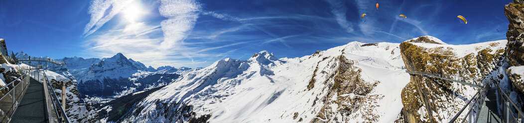 Switzerland, Canton of Bern, Grindelwald, view from First Cliff Walk on Eiger and mountainside of the Reeti - AMF05366
