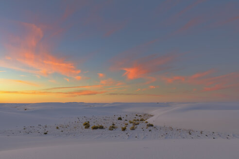 USA, New Mexico, Chihuahua Desert, White Sands National Monument, landscape at sunrise - FOF09199