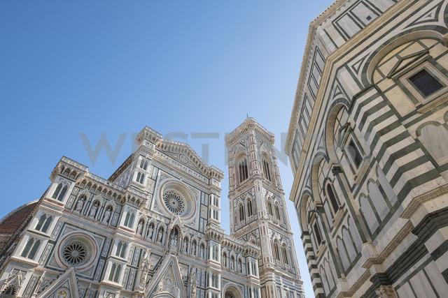Italy, Florence, view to west facade of Basilica di Santa Maria del Fiore and Campanile di Giotto - LOMF00543
