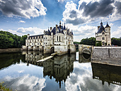 France, Chenonceaux, view to Chateau de Chenonceau with water reflection - AM05369