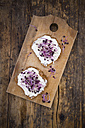 Cream cheese sandwich with red radish sprouts - LVF06040