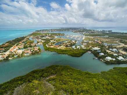 Caribbean, Cayman Islands, George Town, Westbay and Cypress Pointe - AMF05372
