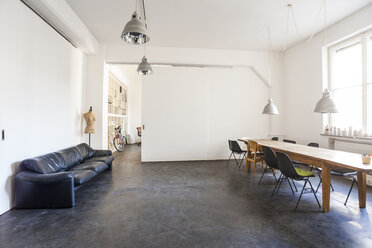 Conference room in a loft - TCF05374