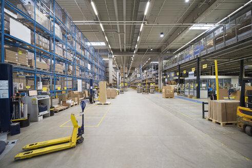 High rack warehouse in factory - DIGF01819