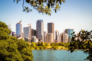 Australia, Sydney, view to skyline - PUF00643