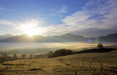 Germany, Bavaria, sunrise above Loisachmoor - LHF00527