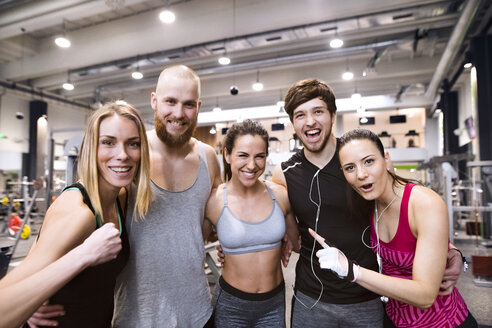 Fit friends having fun in gym - HAPF01598