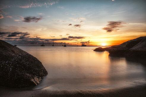Thailand, Surat Thani, Ko Pha Ngan, Thong Nai Pan Yai Beach at sunset - DAWF00528