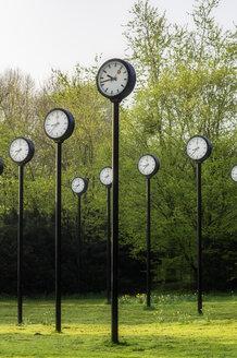 Germany, Duesseldorf, city park Volksgarten, clock installation Zeitfeld - THA01939